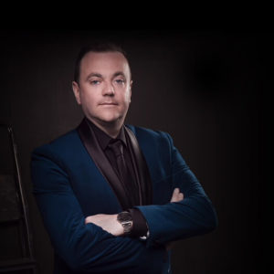 Ireland's finest Country and balladeer Singing Sensation
